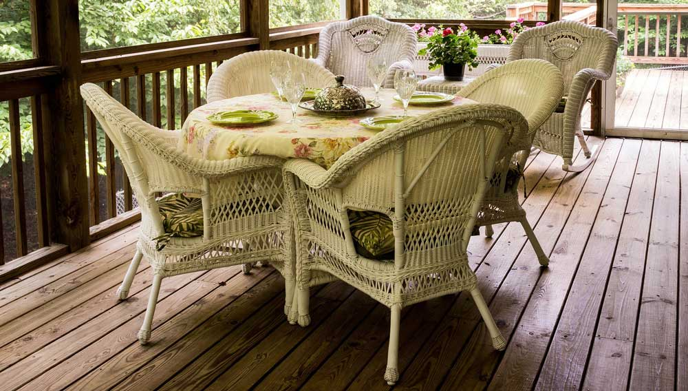 Deck dining with tables and chairs